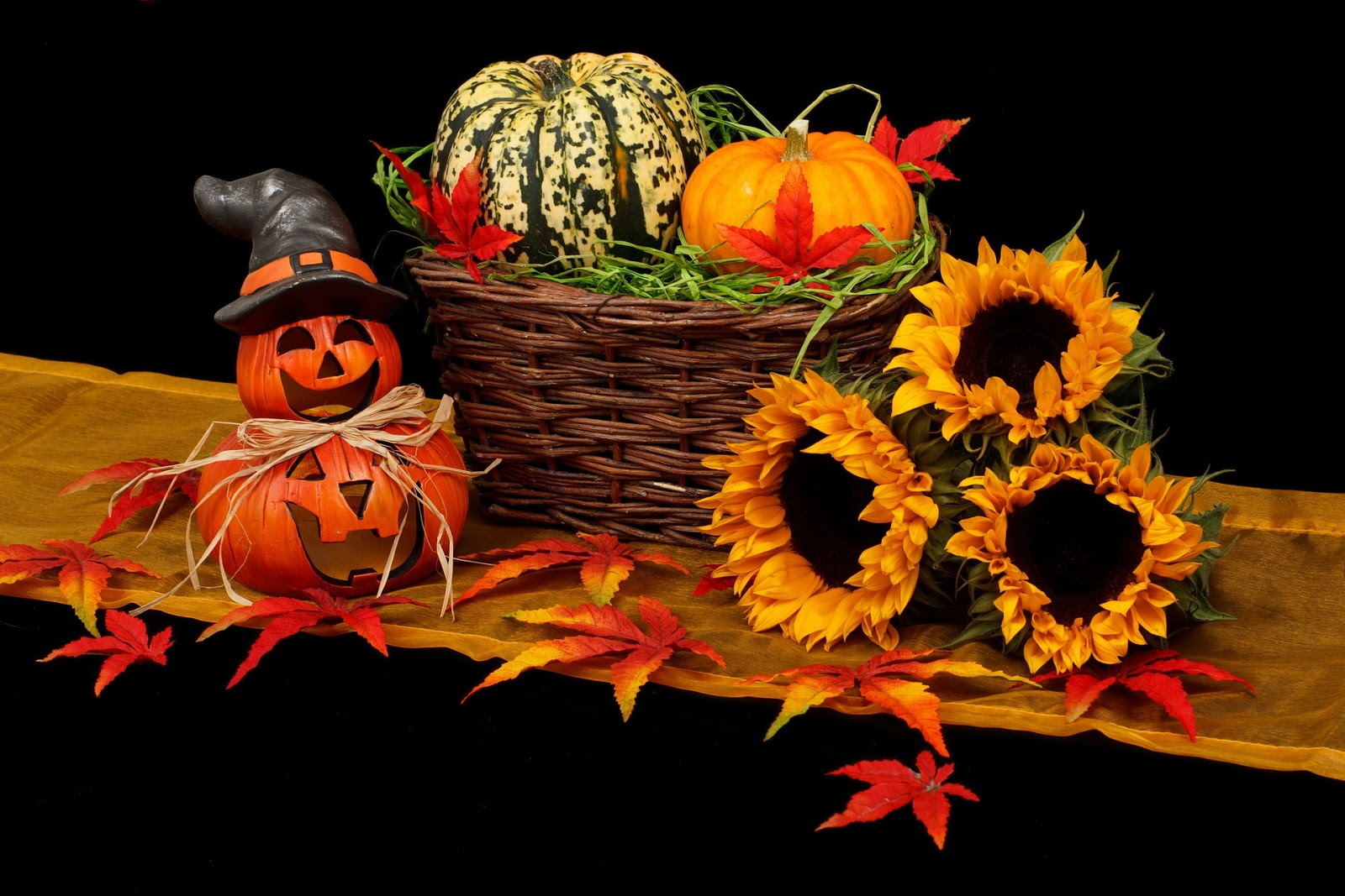 5 halloween decoration ideas for your new custom home, hagen homes, custom home builder in kenosha county